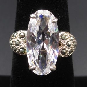 Vintage Size 5.5 Sterling Silver Stunning Crystal
